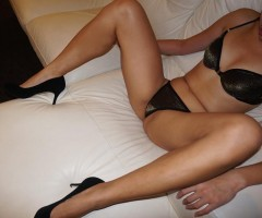 Chloe  Pics Are Me Or I'm Free  Pierced Tongue  Outcalls Only  Very Pretty  Long Legs  Age - 24